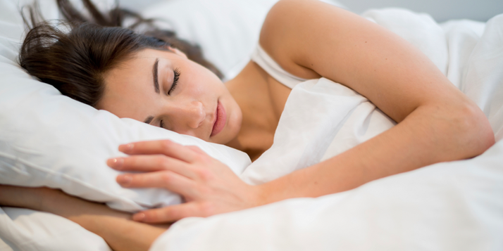 Mooi slapen op het beste bed matras boxspring bij slaapwinkel the nightstore in Limburg